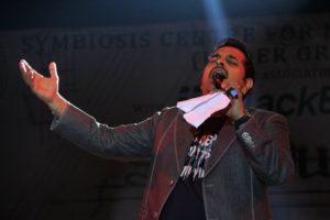 Shankar Mahadevan performing at Sympulse '1