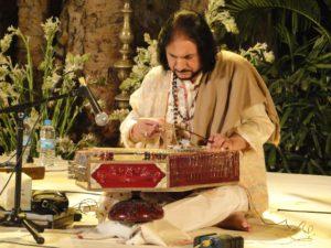 Bhajan Sopori playing Santoor